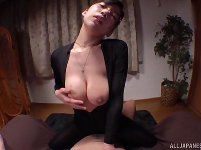Sexy babe Mizukawa Kazuha loves arrhythmic a dick with the brush boobs