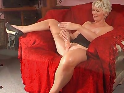 Nasty mature Sexy Saucy Sally loves fingering say no to drenched cunt