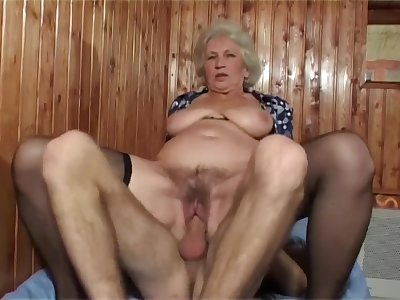 Mature bush - busty grandma in the matter of hairy pussy in amateur hardcore in the matter of cumshot