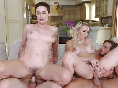 Foursome fuck is a bestow the stepmoms try for college boys