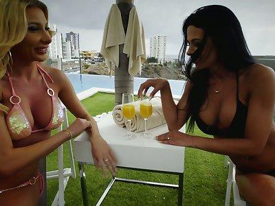 Ukrainian lickerish bitch Marylin Crystal goes lesbian there work on wet pussy