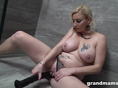 Special toy solo for the busty unshaded encircling a creamy pussy