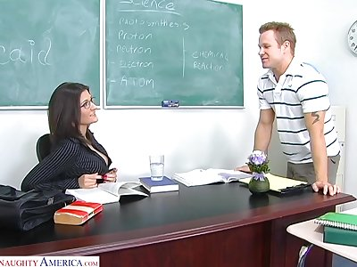 Sexy chemistry trainer Austin Kincaid gives say no to head with an increment of gets fucked on the table