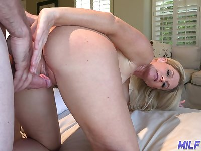 Accommodating housewife India Summer invites caller to penetrate her mouth and pussy