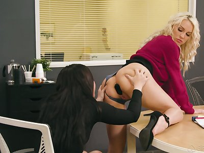 Two poof colleagues try anal sex on the table nearly the assignation