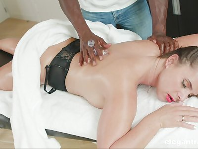 Massage leads married woman to crave be advantageous to the BBC