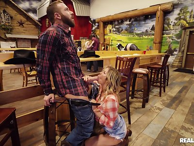 Plump cowgirl Alexis Fawx meets an taking new buddy