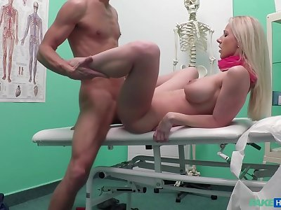 Czech Beauty Spreads Her Legs Wide Be fitting of Doctors Blarney With Lutro Steel And Nathaly Cherie