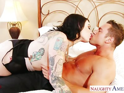 Tattooed busty MILF Scarlet LaVey gonna get her vagina hammered hard