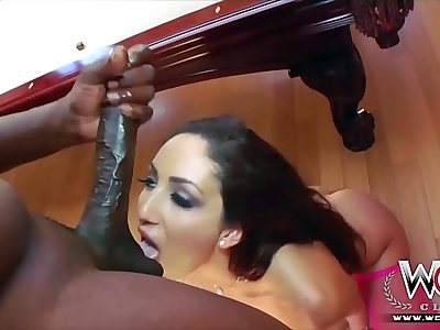 Tight white girl gets inanely fucked by the Steele