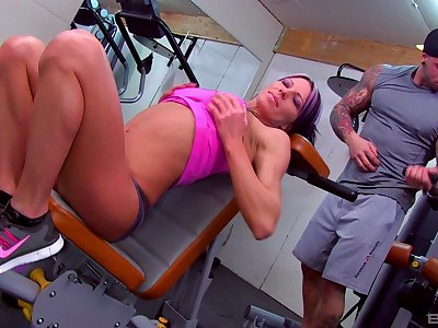 Fit mature woman gets fucking with the personal bus in front gym