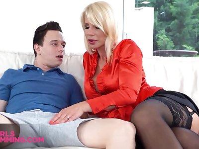 Steady old-fashioned drooling on honcho sexy stepmom fro huge pair Tiffany Rousso